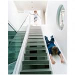 ¿Bajas por la escalera… o por el tobogán?