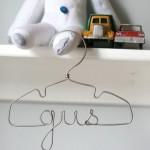 Etsy: Perchas para niños personalizadas con su nombre