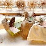 Empaquetar los regalos de Navidad, ideas para reciclar