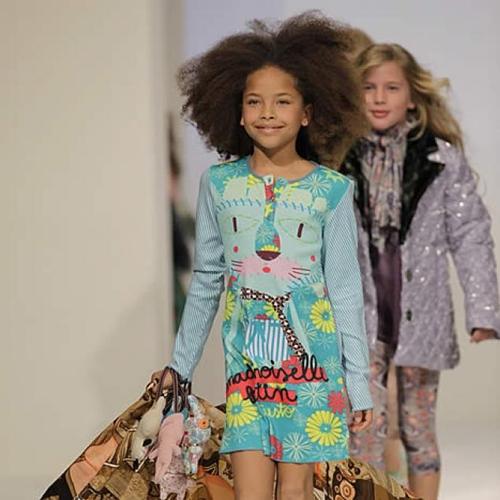 e930c5c45 Custo Dalmau acaba de presentar en Fimi de Valencia y el Pitti Bimbo de  Florencia su primera colección de ropa infantil. La nueva línea se llama  Custo ...