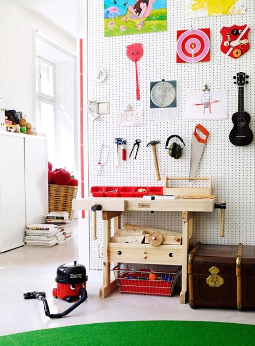 Guitarras en el dormitorio de los ni os infanmusic for Guitarras para ninos casa amarilla