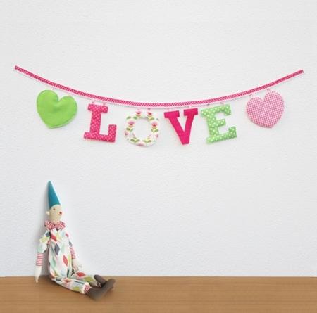 guirnaldas 1 Guirnaldas de letras de tela para la habitación de los niños