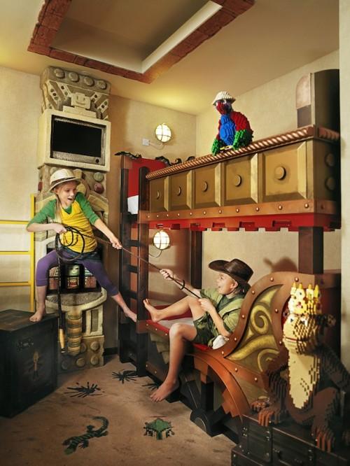 hotel lego california 5 500x666 Espacios Cool para Niños... Hotel Lego en California