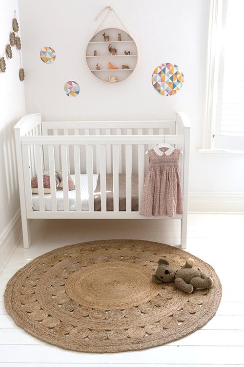 habitacion-bebe-alfombra-redonda