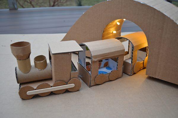Como hacer un ferrocarril de carton - Imagui