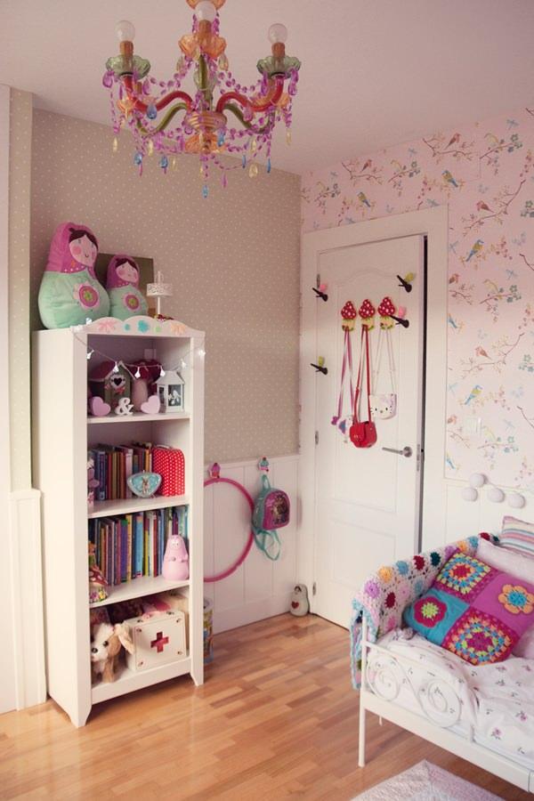Habitaci n en rosa para una ni a con muebles de ikea for Papel adhesivo para muebles ikea