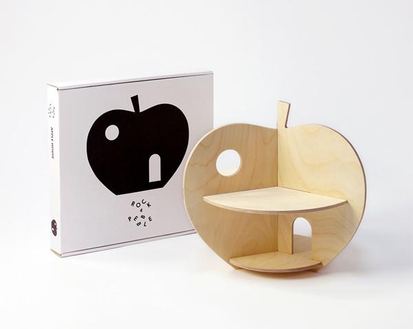 RP-Apple-Hou3- se-with-box
