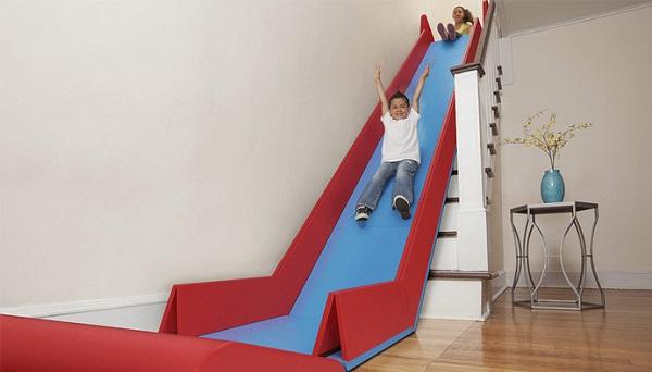 Convierte tus escaleras en un tobogán con SlideRider