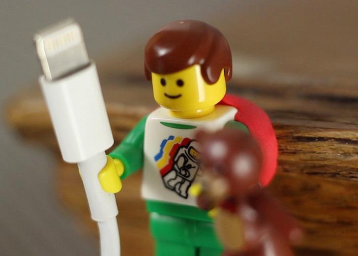 Cables ordenados con Lego y Sugru en la habitación de los peques