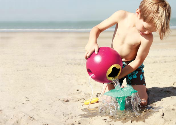 bola-agua-playa