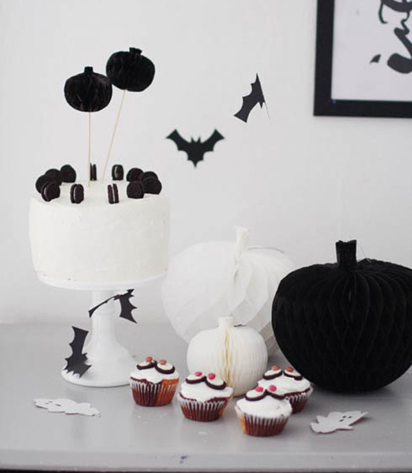 Fiesta infantil para Halloween en blanco y negro