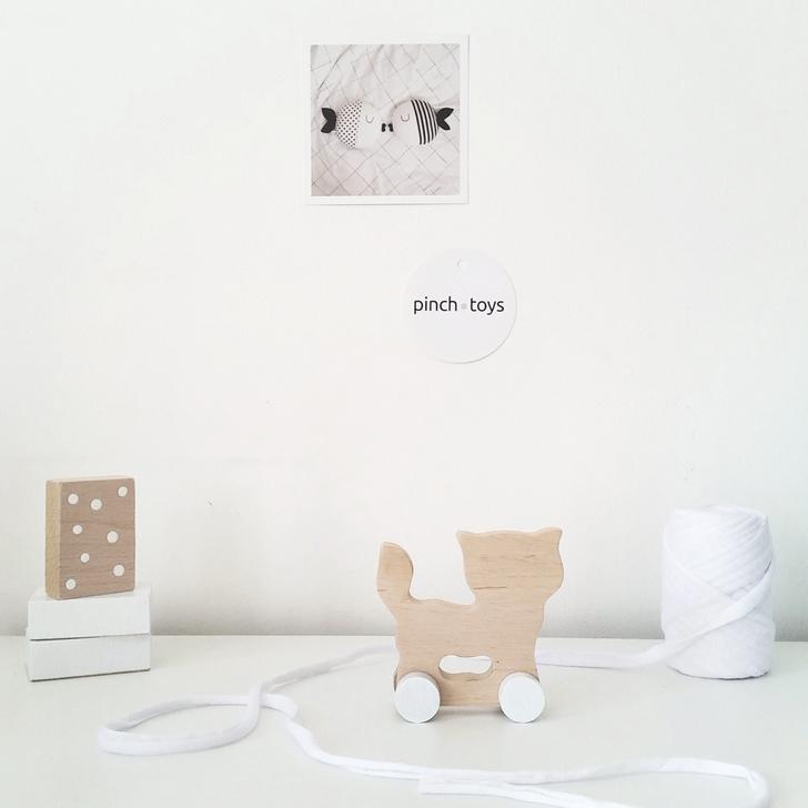 juguetes-minimalistas-hechos-a-mano-gato