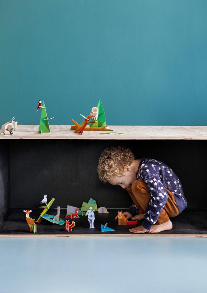 juguetes-de-carton-studio-roof