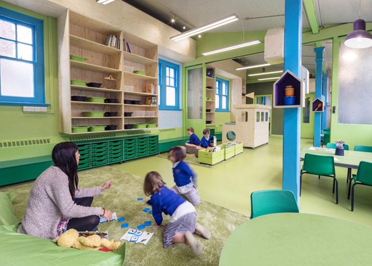colegio-de-primaria-colorido-zona-verde-de-juegos