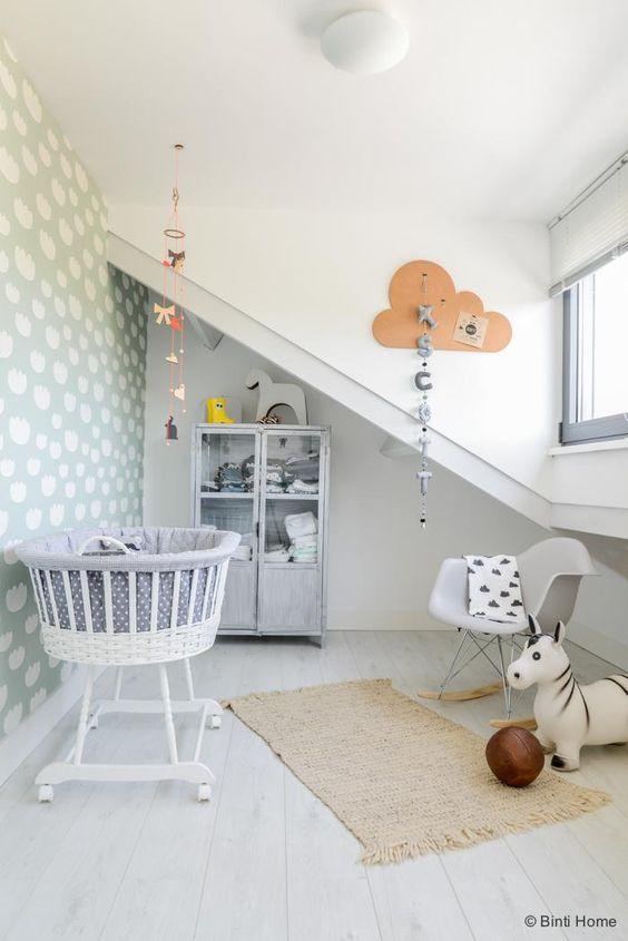 habitacion-bebe-suelo-madera