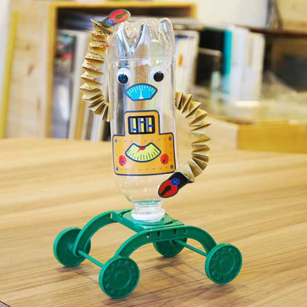 manualidades-infantiles-botella-robot