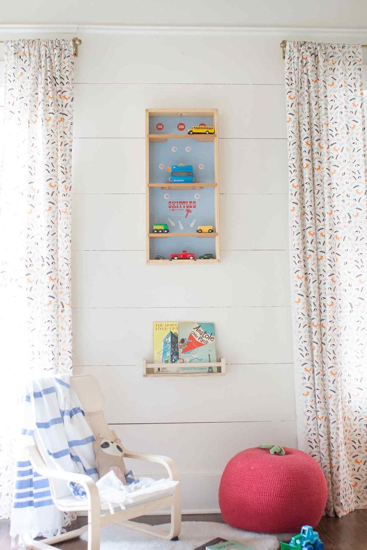 habitacion-infantil-estilo-rustico-estanterias