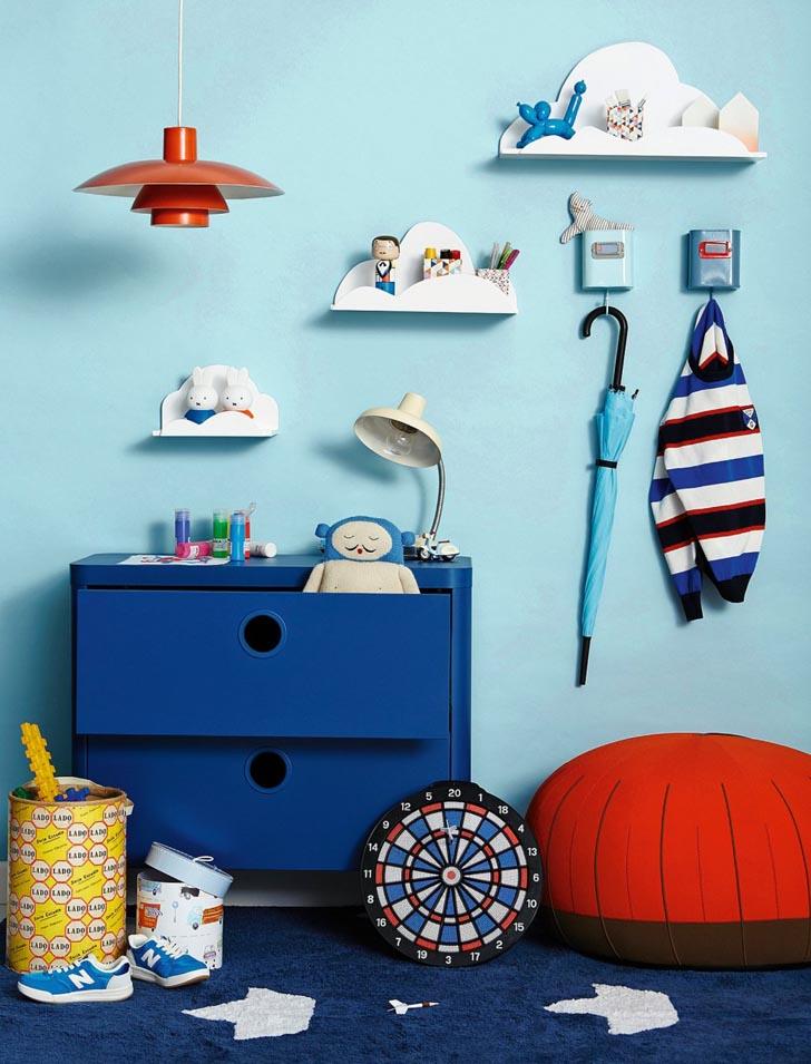 organizar-habitacion-infantil-estanterias-nubes