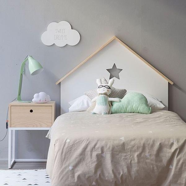 cabeceros-infantiles-originales-casita-con-estrella
