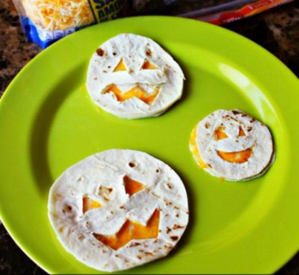mini-quesadillas-de-calabaza-halloween