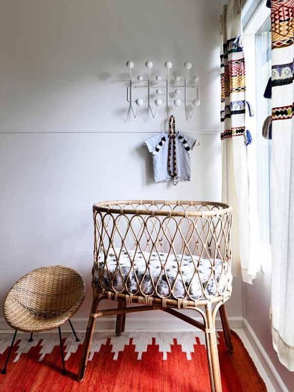 muebles-vintage-cuna-de-mimbre