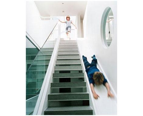 escalera y tobogán