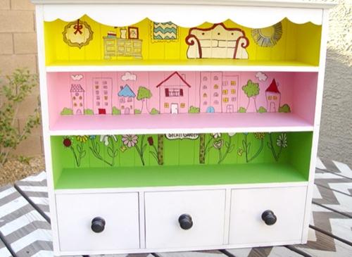 Clic clac foto … Casita de muñecas hecha con una estanteria.