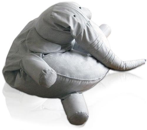 Un elefante para leer, jugar y dormir.