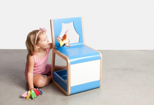 sintate a pintar crea tu historia llama a tus amigos y cuntasela esta silla teatro destaca por su respaldo que funciona como teln