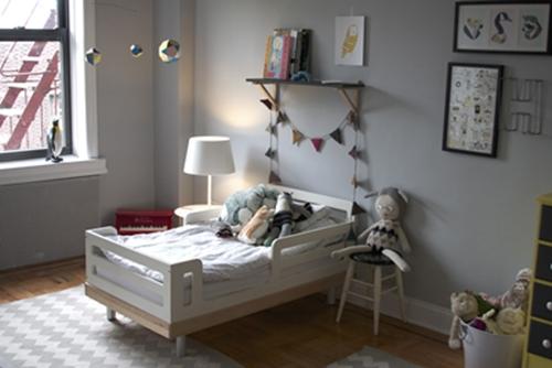 10 habitaciones infantiles con un toque gris decopeques for Cuarto azul con gris
