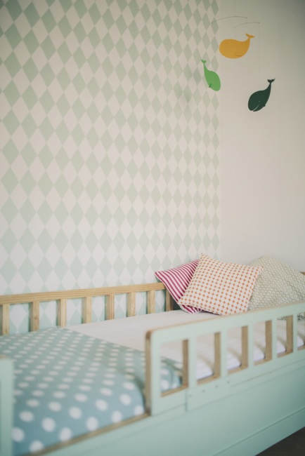 10 habitaciones infantiles con papel pintado decopeques - Papel pintado habitacion bebe ...