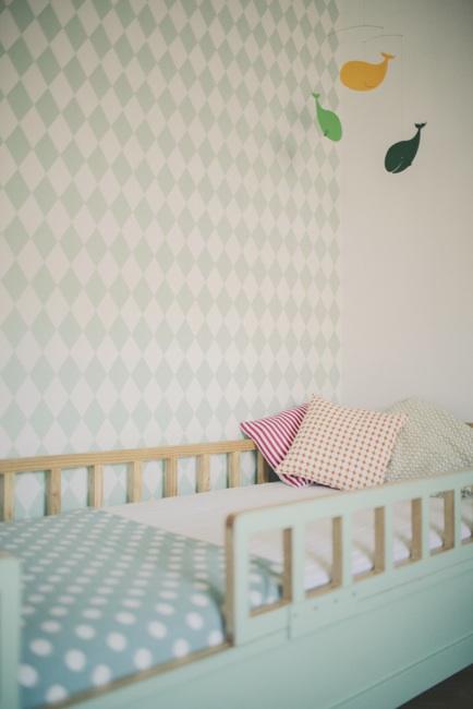 10 habitaciones infantiles con papel pintado decopeques for Papel pintado infantil