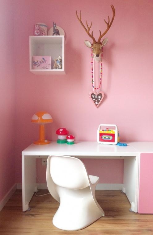 10 ideas para organizar y decorar la zona de estudio de - Decorar habitacion nina 8 anos ...