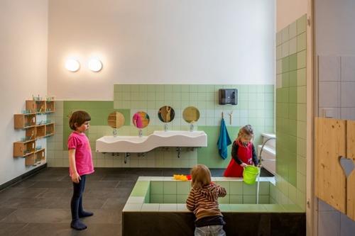baño-proyecto-guarderia-diseño