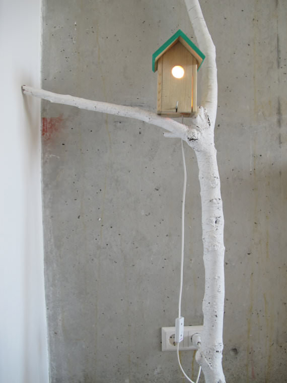 branch and birdhouse lamp