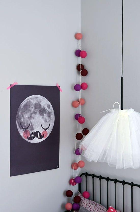 Guirnaldas de luces ideas para colocarlas decopeques - Ideas para colgar fotos habitacion ...