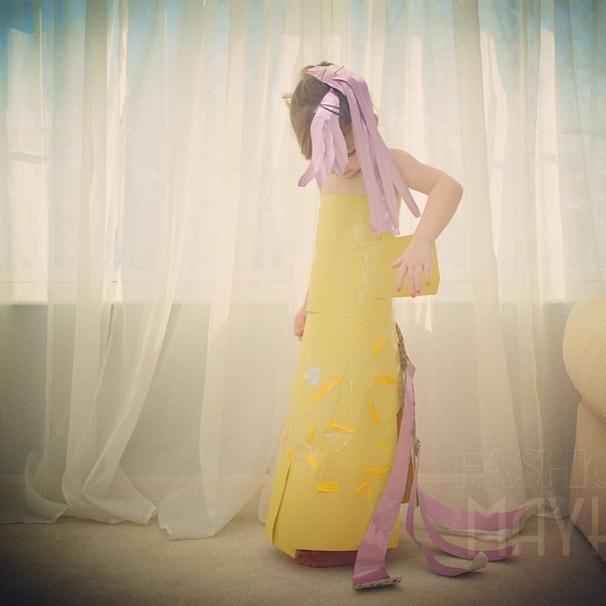 Vestidos de Papel con mucho glamour para una niña de 4 años