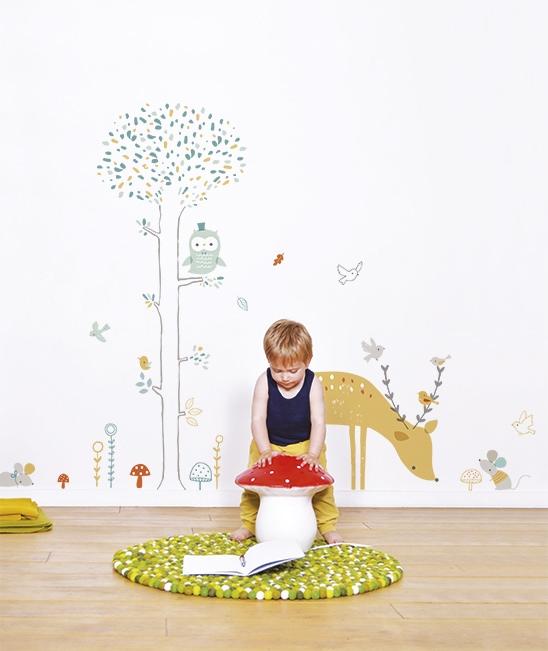 sticker-mural-foret-arbre-cerf-garcon-chambre-enfant-bebe-lilipinso-s0698_amb