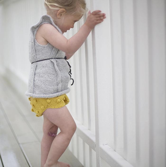 Paelas pantalones cortos amarillos