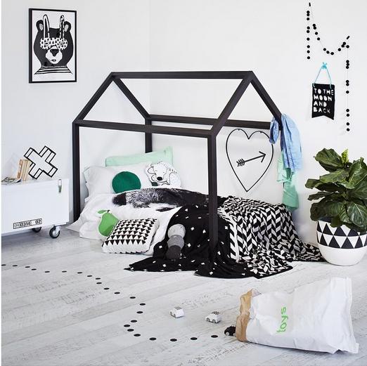 cama-casita-negro