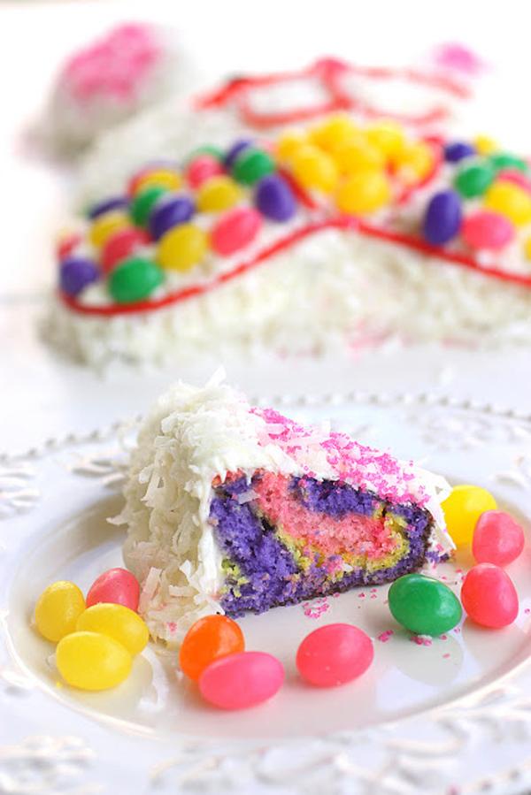tarta-de-conejo-de-pascua-con-caramelos