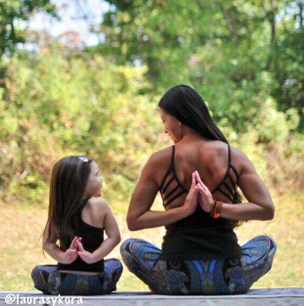 Yoga-mama-hija