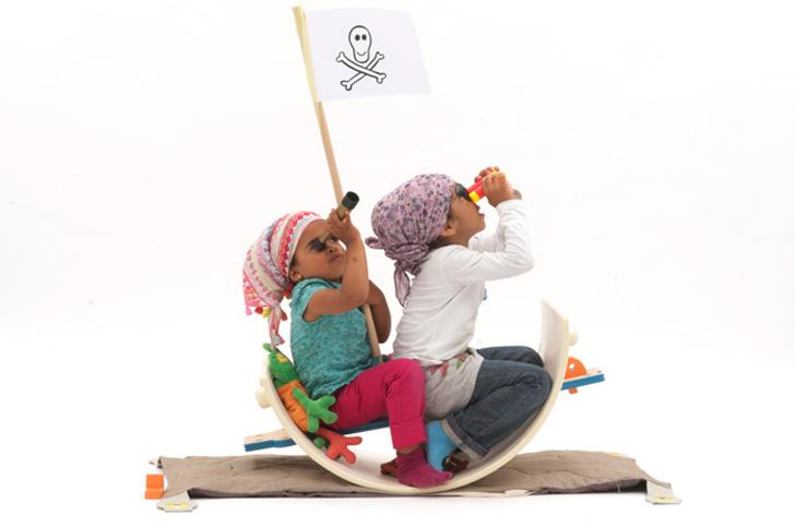 Nanu, el juguete de madera que se convierte en mil cosas