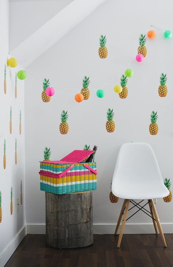 7 ideas para decorar los dormitorios infantiles con mucho for Papel para pared dormitorio
