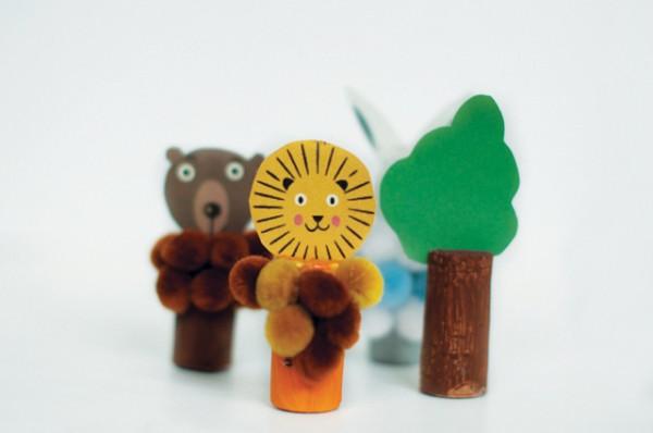Manualidad con corchos marionetas de animales