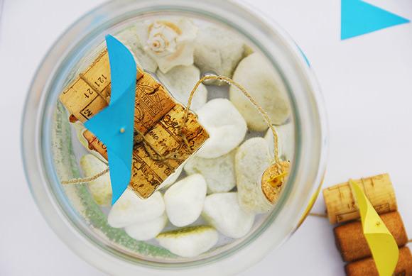 barco en un tarro de cristal manualidad con corchos