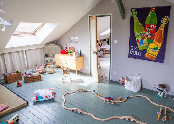 Habitación infantil con estilo rústico