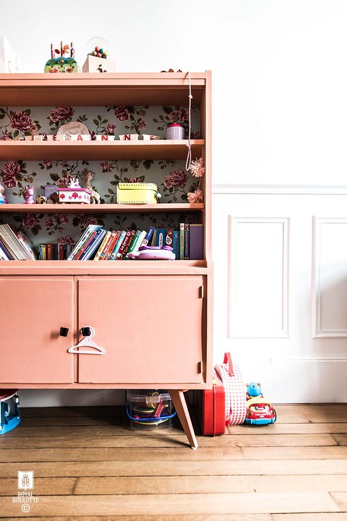 decoracion-infantil-estanteria-vintage