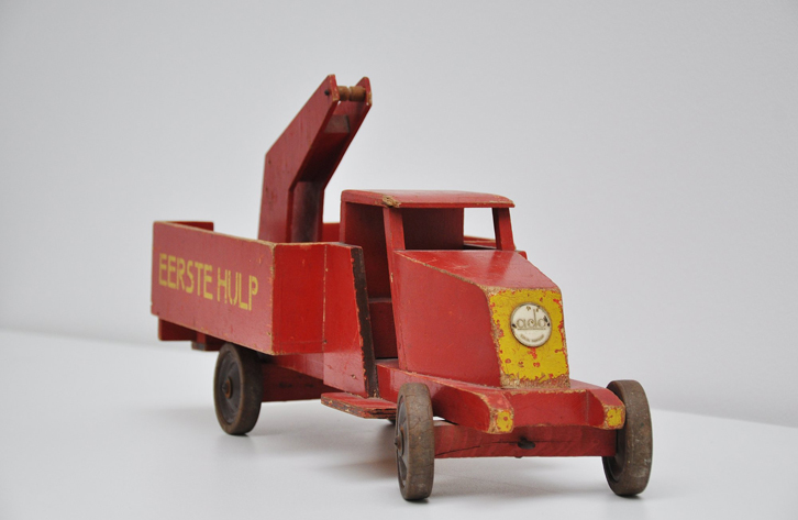 mid-mod-juguetes-vintage-camion-grua