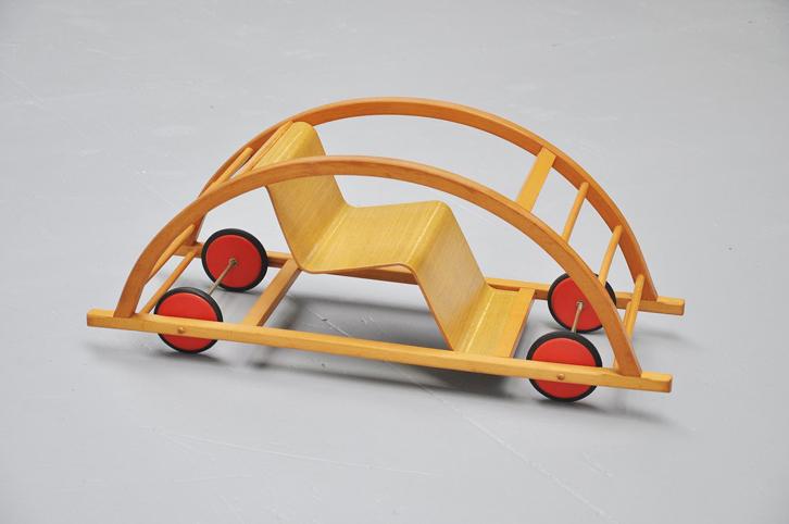mid-mod-juguetes-vintage-coche